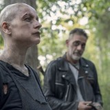 the-walking-dead-episode-1011-morning-star-promotional-photo-05.th.jpg