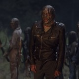 the-walking-dead-episode-1011-morning-star-promotional-photo-10.th.jpg
