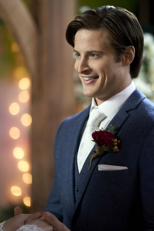 when calls the heart episode 706 in perfect unity promotional photo 11