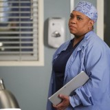 greys-anatomy-episode-1618-give-a-little-bit-promotional-photo-05.th.jpg