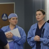 greys-anatomy-episode-1618-give-a-little-bit-promotional-photo-31.th.jpg