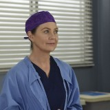 greys-anatomy-episode-1618-give-a-little-bit-promotional-photo-36.th.jpg