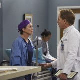 greys-anatomy-episode-1618-give-a-little-bit-promotional-photo-43.th.jpg