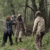 the-walking-dead-episode-1012-walk-with-us-promotional-photo-05.th.jpg