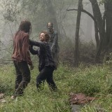 the-walking-dead-episode-1012-walk-with-us-promotional-photo-06.th.jpg