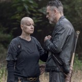 the-walking-dead-episode-1012-walk-with-us-promotional-photo-08.th.jpg
