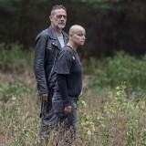 the-walking-dead-episode-1012-walk-with-us-promotional-photo-09.th.jpg