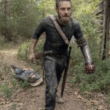 the-walking-dead-episode-1012-walk-with-us-promotional-photo-13.th.jpg