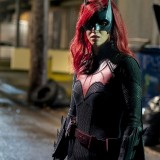 batwoman-episode-116-through-the-lookingglass-promotional-photo-0786ce850f9325299c