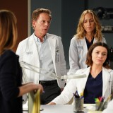 greys-anatomy-episode-1620-sing-it-again-promotional-photo-02.th.jpg