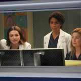 greys-anatomy-episode-1620-sing-it-again-promotional-photo-05.th.jpg