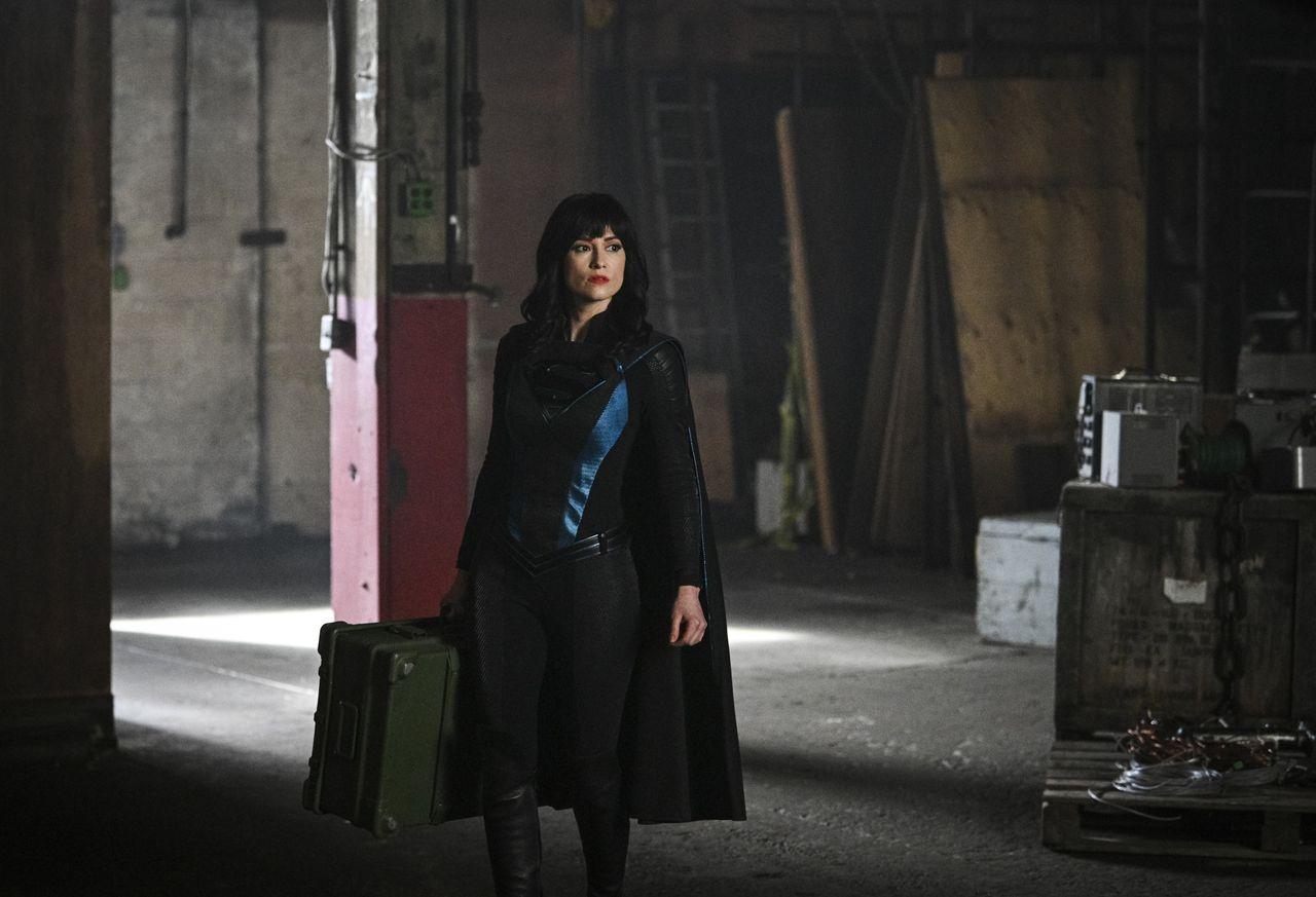supergirl episode 516 alex in wonderland promotional photo 09