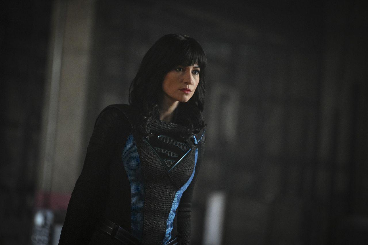 supergirl episode 516 alex in wonderland promotional photo 10