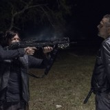 the-walking-dead-episode-1014-look-at-the-flowersl-promotional-photo-01.th.jpg
