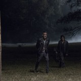 the-walking-dead-episode-1014-look-at-the-flowersl-promotional-photo-02.th.jpg