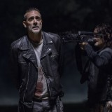 the-walking-dead-episode-1014-look-at-the-flowersl-promotional-photo-03.th.jpg