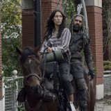 the-walking-dead-episode-1014-look-at-the-flowersl-promotional-photo-14.th.jpg