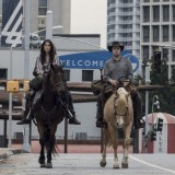 the-walking-dead-episode-1014-look-at-the-flowersl-promotional-photo-15.th.jpg