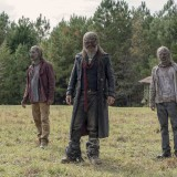 the-walking-dead-episode-1014-look-at-the-flowersl-promotional-photo-20.th.jpg