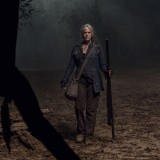 the-walking-dead-episode-1014-look-at-the-flowersl-promotional-photo-24.th.jpg