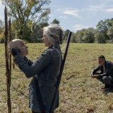 the-walking-dead-episode-1014-look-at-the-flowersl-promotional-photo-28.th.jpg