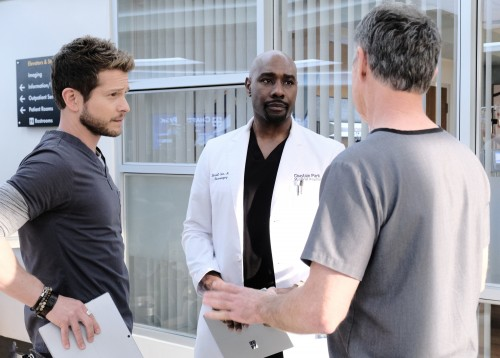 "THE RESIDENT:  L-R:  Matt Czuchry, Morris Chestnut and Bruce Greenwood in the ""Burn it All Down"" sea"