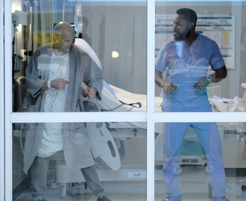 """THE RESIDENT:  L-R:  Guest star Phillip Anthony-Rodriguez and Malcolm-Jamal Warner in the """"Burn it A"""