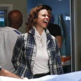 greys-anatomy-episode-1621-put-on-a-happy-face-promotional-photo-06.th.jpg