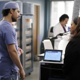 greys-anatomy-episode-1621-put-on-a-happy-face-promotional-photo-09.th.jpg