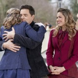 when-calls-the-heart-episode-710-dont-go-season-finale-promotional-photo-12.th.jpg