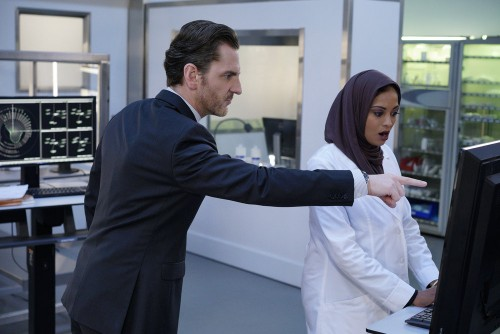 BLINDSPOT -- Pictured: (l-r) Aaron Abrams as Matthew Weitz, Ami Sheth as Afreen -- (Photo by: Myles