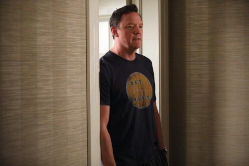 "GOOD GIRLS -- ""Incentive"" Episode 309 -- Pictured: Matthew Lillard as Dean Boland -- (Photo by: Jord"