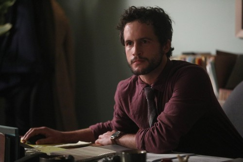 """GOOD GIRLS -- """"Incentive"""" Episode 309 -- Pictured: Rob Heaps as Dr. Josh Cohen -- (Photo by: Jordin"""