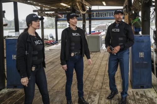 """Monolith""-- When Sebastian is injured while unsuccessfully trying to prevent a kidnapping, NCIS rac"