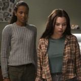 siren-episode-304-life-and-death-promotional-photo-08