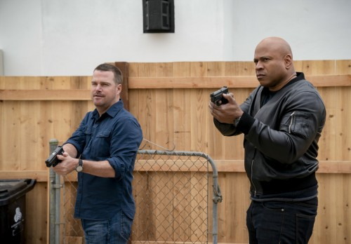 """Murder of Crows"" - Pictured: Chris O\'Donnell (Special Agent G. Callen) and LL COOL J (Special Agen"