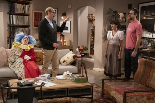 one day at a time episode 405 diamonds promotional photo 02