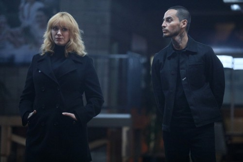 "GOOD GIRLS -- ""Synergy"" Episode 311 -- Pictured: (l-r) Christina Hendricks as Beth Boland, Manny Mon"