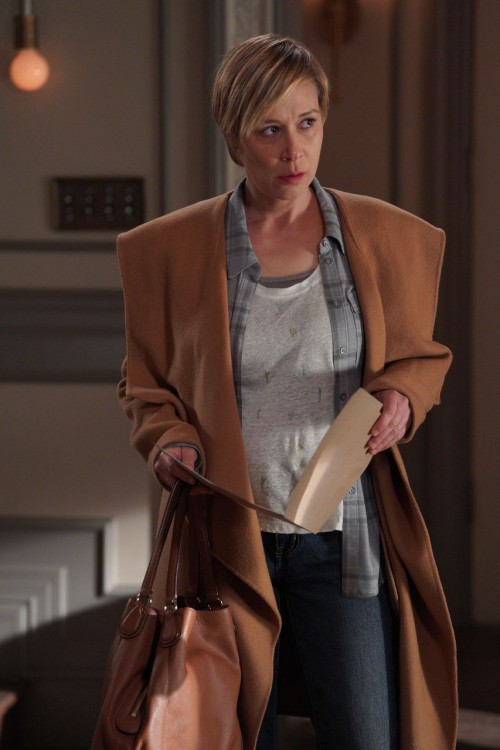 how-to-get-away-with-murder-episode-614-annalise-keating-is-dead-promotional-photo-12.jpg