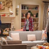 the-conners-episode-220-bridge-over-troubled-conners-promotional-photo-09.th.jpg