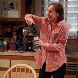 the-conners-episode-220-bridge-over-troubled-conners-promotional-photo-28.th.jpg