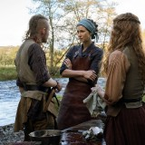 outlander-episode-511-journeycake-promotional-photo-06.th.jpg