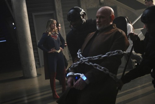 supergirl episode 518 the missing link promotional photo 01