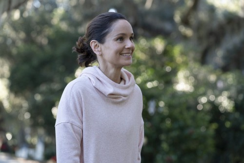 "COUNCIL OF DADS -- ""Tradition"" Episode 105 -- Pictured: Sarah Wayne Callies as Robin Perry -- (Photo"