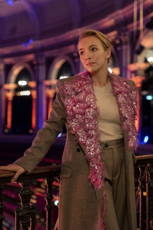 killing-eve-episode-308-are-you-leading-or-am-i-season-finale-promotional-photo-18.jpg