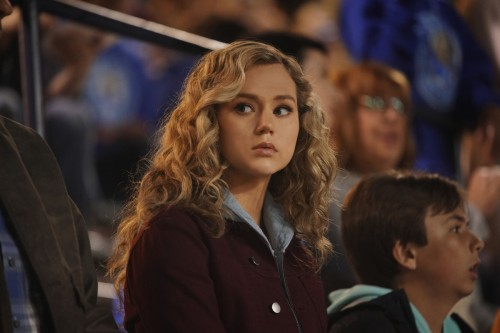 "Stargirl -- ""Shiv Part One"" -- Image Number: STG107a_0136r.jpg -- Pictured: Brec Bassinger as Courtn"