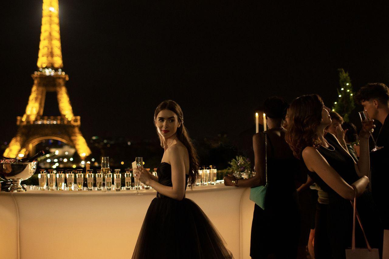 emily in paris season 1 promotional photos 01