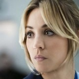 the_flight_attendant_-_kaley_cuoco-publicity_still_-_h_2020_.th.jpg