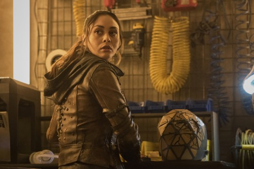 "The 100 -- ""A Sort of Homecoming"" -- Image Number: HU715A_0351r.jpg -- Pictured: Lindsey Morgan as R"