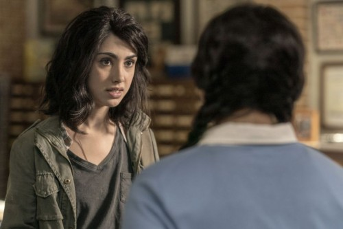 Aliyah Royale as Iris, Alexa Mansour as Hope - The Walking Dead: World Beyond _ Season 1, Episode 1